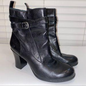 Born black heeled bootie